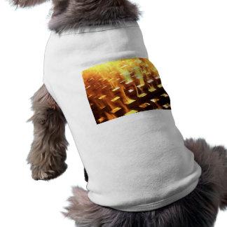 Las llamas del fuego a través de una fotografía de camisa de perrito