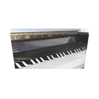Las llaves del piano envolvieron la lona lona envuelta para galerías