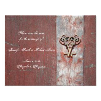 """Las llaves maestras de madera pintadas país invitación 4.25"""" x 5.5"""""""