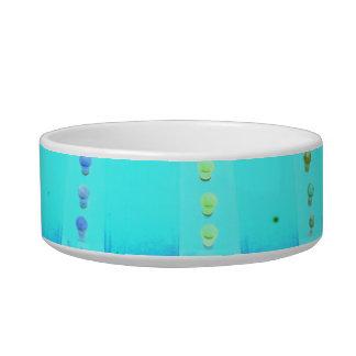 las luces invertidas del azul w del verde justo de tazón para agua para gatos