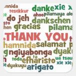 Las maneras múltiples de decir le agradecen en calcomanía cuadrada