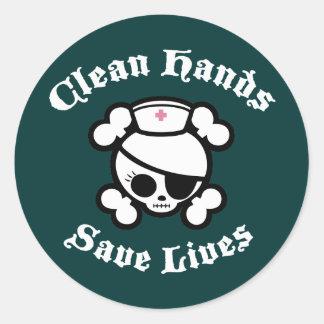 Las manos limpias ahorran vidas pegatina redonda