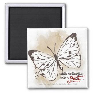 Las mariposas blancas son un parásito iman de nevera
