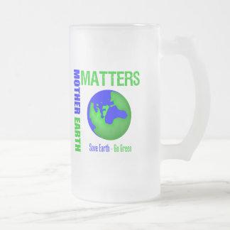 Las materias de la madre tierra ahorran la tierra  tazas