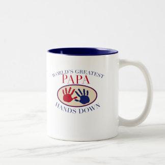 Las mejores manos de la papá abajo taza