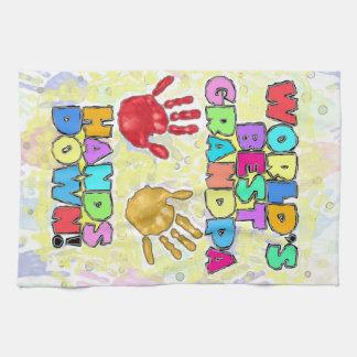 ¡Las mejores manos del abuelo del mundo… abajo! Toalla De Mano