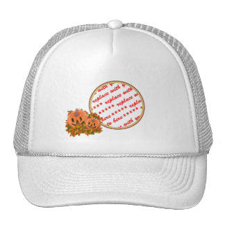 Las mini calabazas con caída salen del marco de la gorras