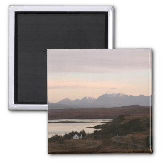 Las montañas de Cuillin en la isla de Skye en Esco Imán Cuadrado