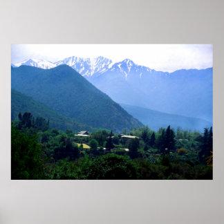 Las montañas de los Andes en Chile Póster