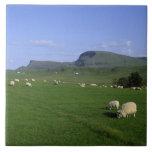 Las montañas de Quiraing, isla de Skye, montañas, Tejas Cerámicas