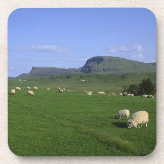 Las montañas de Quiraing, isla de Skye, montañas, Posavasos