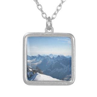 ¡Las montañas - magníficas! Colgante Cuadrado