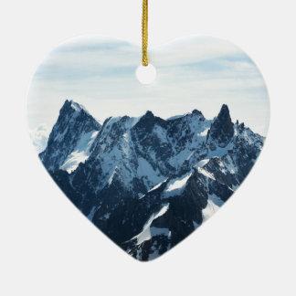 ¡Las montañas - magníficas! Adorno De Cerámica En Forma De Corazón