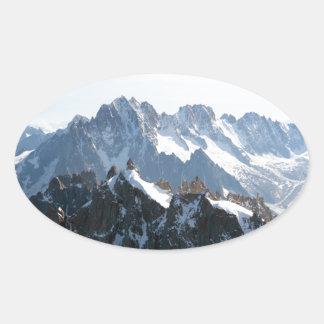 ¡Las montañas - magníficas! Pegatina Ovalada