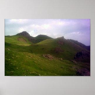 Las montañas póster