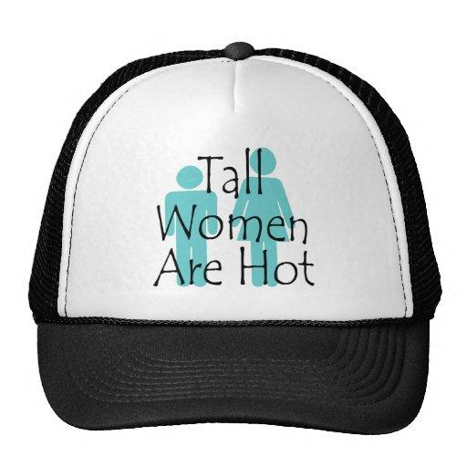 Las mujeres altas son calientes gorras de camionero