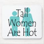 Las mujeres altas son calientes alfombrillas de ratón