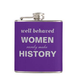 Las mujeres bien comportadas hacen raramente el petaca