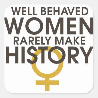 Las mujeres bien comportadas hacen raramente pegatina cuadrada