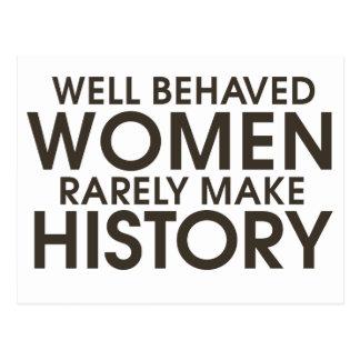 Las mujeres bien comportadas hacen raramente tarjetas postales