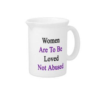 Las mujeres deben ser amadas no abusado jarra de beber