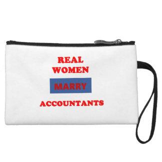 Las mujeres reales casan a contables