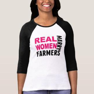 Las mujeres reales casan a granjeros playeras
