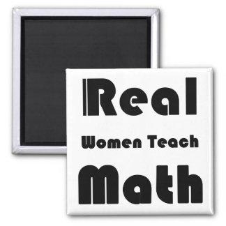 Las mujeres reales enseñan a matemáticas imán cuadrado