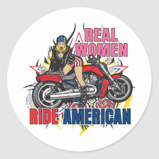 Las mujeres reales montan al americano pegatina redonda