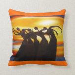 Las mujeres unen la almohada de tiro africana del