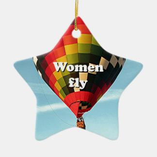 Las mujeres vuelan: globo del aire caliente adorno navideño de cerámica en forma de estrella