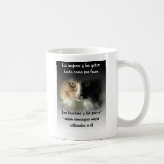 Las mujeres y los gatos... classic white coffee mug
