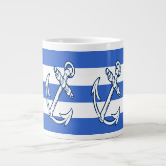 Las naves anclan las tazas de la especialidad de taza grande