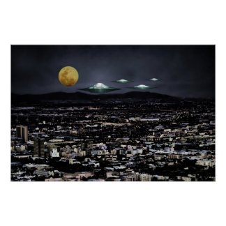 Las naves espaciales del UFO vienen a la tierra Póster