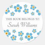 Las nomeolvides florales este libro pertenecen al pegatina redonda