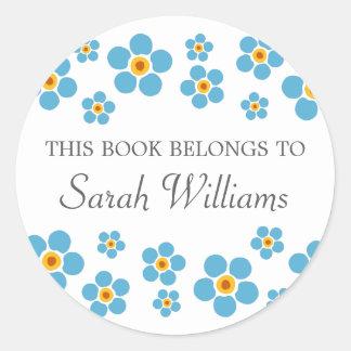 Las nomeolvides florales este libro pertenecen al etiqueta redonda