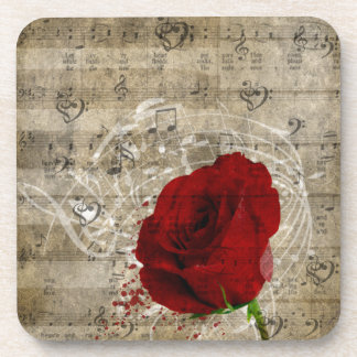 Las notas hermosas de la música del rosa rojo remo posavaso