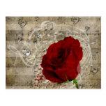 Las notas hermosas de la música del rosa rojo postal