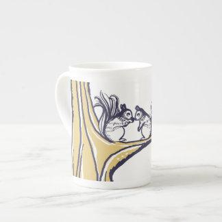 Las nueces sobre usted atesoran el boda taza de porcelana