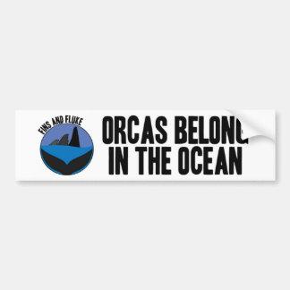 Las orcas pertenecen en la pegatina para el parach etiqueta de parachoque