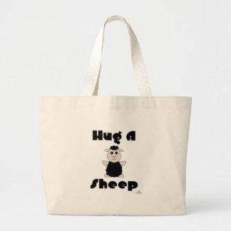 Las ovejas negras Huggable abrazan una oveja Bolsa De Mano