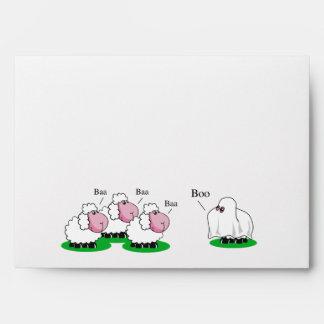 Las ovejas se vistieron para arriba como abucheo sobres