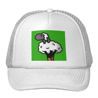 Las ovejas solitarias limpian gorras de camionero