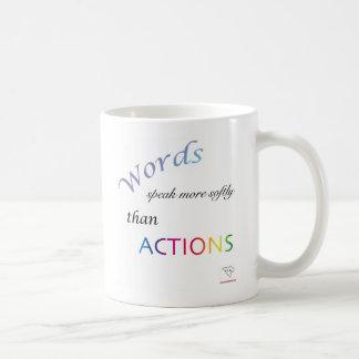 Las palabras hablan la taza