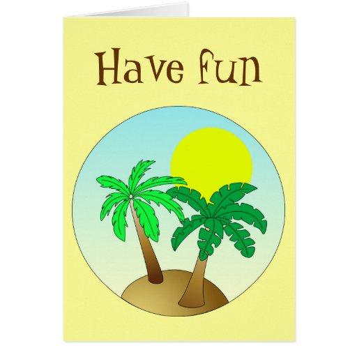 Las palmeras en azul con el sol - diviértase tarjeta de felicitación