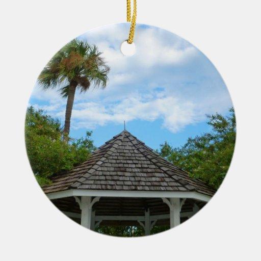 Las palmeras pie del cielo del Gazebo perforan la Ornamento Para Arbol De Navidad