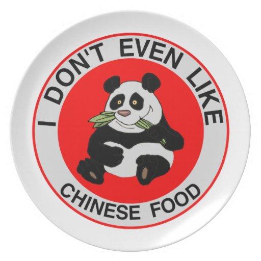 Las pandas incluso no tienen gusto de la comida ch plato para fiesta