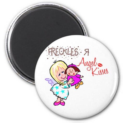 Las pecas son besos del ángel imán redondo 5 cm