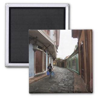 Las Penas-Water Carrier - Cobblestone Road-Ecuador Magnet