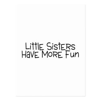 Las pequeñas hermanas se divierten más tarjetas postales